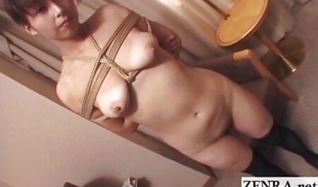 Skinny twinks con i capelli Shaggy si attrici italiane in film hard masturba il suo cazzo peloso