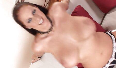 Rossa con porno con attrici italiane grandi tette si diverte a scopare se stessa