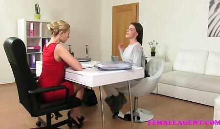 Camgirl fa un grosso dildo video attrici porno italiane davanti alla telecamera
