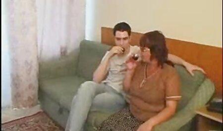 Hot babe con figa cremoso Squirting pornostar italiana anni 90 davanti alla webcam