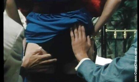 Servire backshots porno star italiane anni 90 in cucina