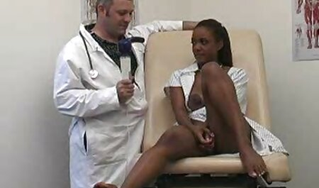 Ran pornostar italiana anni 90 Monbu ottiene sperma su lattine salate