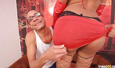 Latina con grandi tette scopa e cavalca il film porno attrice italiana suo giocattolo