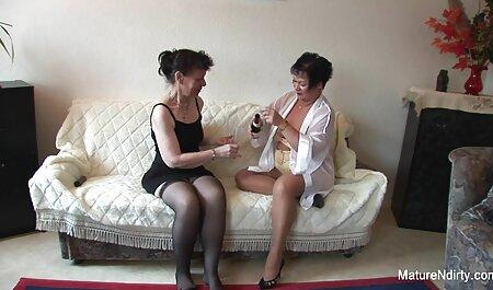 Donna matura OmaHunter High attrici italiane porche fa sesso con una giovane ragazza calda