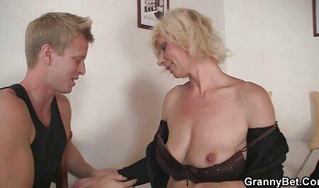 Marito Dolly guarda la sua porno attrici francesi piccola moglie Lina Arian scopare